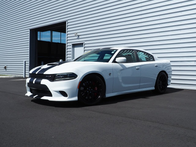 Dodge Charger Srt >> Pre Owned 2016 Dodge Charger Srt Hellcat Rwd 4d Sedan