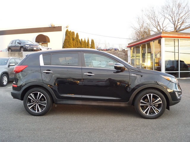 Certified Pre-Owned 2016 Kia Sportage SX